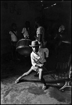 Elliott Erwitt - Brazil. Salvador da Bahia. 1963.