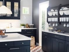 my grey walls WILL work with black cabinets?!