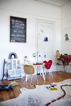 Chalkboard rules in a child's play area | Julie Ansiau
