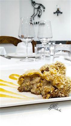 Y si a estas croquetas semiliquidas de morcilla y manzana verde lo acompañamos de una compota de canela, que te parece?…. En Errazki, como siempre! Ingredientes para la croqueta de morcilla: 1 l. de Leche entera 200 g. de mantequilla 1 Puerro 175 g. de harina (tostada levemente en el horno) Sal y Pimienta 150... Lea más