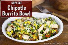 Copycat Chipotle Burrito Bowl - link for rice, corn salsa, guacamole and chicken Dinner tonight? Chipotle Guacamole Recipe, Chipotle Burrito Bowl, Chipotle Rice, Salsa Recipe, Homemade Chipotle, Burrito Bowls, Chipotle Chicken, Cilantro Rice, Tamales