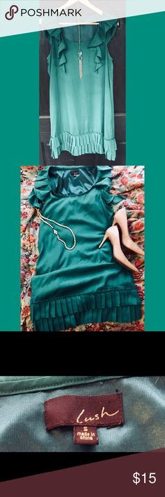 "Gorgeous ruffled turquoise dress Turquoise is a beautiful color on almost any skin type and is my personal favorite color by far. This dress is in mint condition, 33"" long, sz small but could fit a medium as well. Lush Dresses Midi"