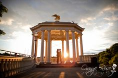 Philadelphia Water Works / Art Museum sunset gazebo engagement session photo, Hannah Chen Photography, www.hannahchenphotography.com