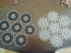 Bobe, Doilies, Diy Crafts, Elsa, Crochet, Trapper Keeper, Needlepoint, Manualidades, Seed Beads