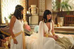 A casa caiu! Disebek é expulso do Egito após ser descoberto como amante de Yunet - Fotos - R7 Os Dez Mandamentos