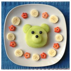 A berry cute snack!  Visit pinterest.com/arktherapeutic for more fun food and #feedingtherapy ideas