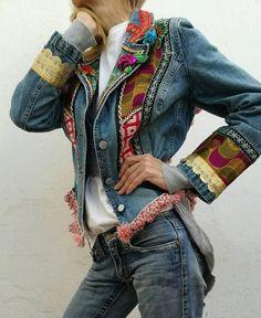 / denim boho chic jacket / patchwork, vintage fabrics and ribbons / one-of-a-kind and handmade upcycle denim jacket / embellished with fabric, flowers, beads, sequins / Denim And Lace, Denim Boho, Mode Cool, Estilo Hippie, Denim Ideas, Denim Crafts, Vintage Leather Jacket, Recycled Denim, Vintage Fabrics
