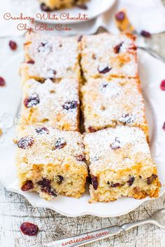 Cranberry White Chocolate Chip Bliss Cake - The flavors of Starbucks Cranberry Bliss Bars in a soft, easy, no-mixer cake! If you like Bliss Bars, you'll love this cake! Just Desserts, Delicious Desserts, Cranberry Bliss Bars, Cranberry Cake, Cranberry Recipes, Brownies, Cake Recipes, Dessert Recipes, Buttermilk Recipes
