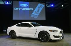 Ford Shelby GT350 Mustang is a lean, mean, Z/28-fighting machine [w/video] - Autoblog