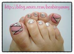 젤페디아트♡인디핑크페디아트&페디큐어&홀로그램페디아트&실버페디아트♥ :: 네이버 블로그 Pink and silver toenails