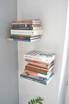 DIY-Anleitung: Schwebendes Bücherregal selber bauen via DaWanda.com