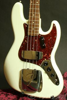 Fender USA Custom Shop / Limited Collection 1962 Jazz Bass NOS Olympic White