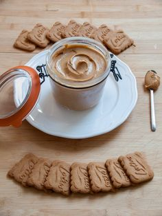 Homemade Biscoff Spread @ Buttercream And Chantilly Factory Homemade Cookie Butter, Speculoos Cookie Butter, Biscoff Cookies, Butter Cookies Recipe, Speculoos Spread Recipe, Galletas Paleo, Biscuit Spread, Biscoff Recipes, Cuisine Diverse