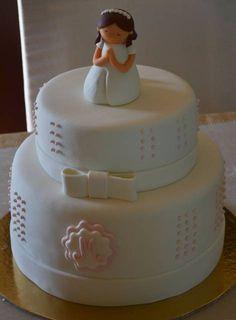bolo de primeira eucaristia com pasta americana Beautiful Wedding Cakes, Beautiful Cakes, Fondant Cakes, Cupcake Cakes, First Holy Communion Cake, Religious Cakes, Confirmation Cakes, Gooey Butter Cake, Dream Cake