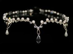 I found 'Bridal Circlet Headwrap Forehead Necklace Tiara in Crystal and Pearl Eleanora' on Wish, check it out!