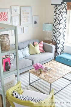 Small space living, living spaces, home living room, living room designs, b Home Living Room, Apartment Living, Cozy Apartment, Apartment Layout, Apartment Ideas, Colorful Apartment, French Apartment, 1st Apartment, Apartment Furniture