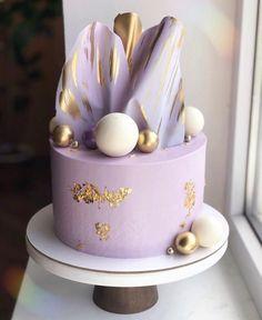 Elegant Birthday Cakes, Cute Birthday Cakes, Beautiful Birthday Cakes, Elegant Cakes, Cake Decorating Piping, Birthday Cake Decorating, Pretty Cakes, Cute Cakes, Candy Cakes