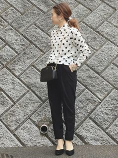 the office apparel Stylish Office Wear, Work Wear Office, Office Uniform, Outfit Office, Office Style, Office Outfits Women, Office Fashion Women, Casual Outfits, Paris Fashion