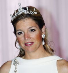 Both Princess Maxima and Queen Beatrix share a love for pearls. This tiara with teardrop pearls remains one of the oldest pieces in the collection of the House of Orange-Nassau and might have been acquired by the Princess Amalia (17th century) who was famous for her vast collection of pearls