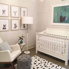 So much love for this chic white nursery. Love that it has touches of baby and touches of modern design together in one space.  Design by: @brynnolsondesigngroup