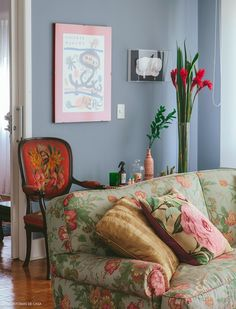 colorful house: Special parlors the vintage, retro and Mid Century Modern Mid-century Modern, 2017 Design, Granny Chic, Home Living Room, House Colors, Sweet Home, Gallery Wall, Interior Design, Inspiration