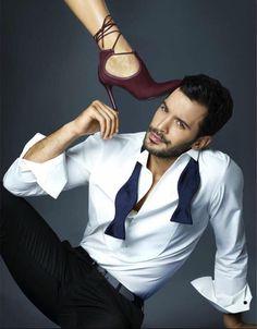 Baris Arduc Kiralik Ask Turkish Men, Turkish Fashion, Turkish Beauty, Turkish Actors, Elcin Sangu, Tv Awards, It Movie Cast, Pop Singers, Barista