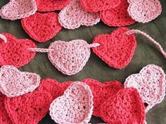 Ten kids and a Dog: Crocheted Heart Garland....just in time for Valentine's Day