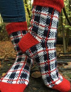 Lumberjack Knitting pattern by Renee Kies Yarn Projects, Knitting Projects, Knitting Patterns, Crochet Shoes, Knit Crochet, Comfy Socks, Fingering Yarn, Felt Embroidery, Knitting Socks