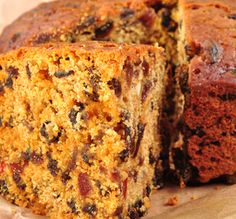 This Farmhouse Fruit Cake is a perfect afternoon treat all year round. Cake Recipes From Scratch, Easy Cake Recipes, Sweet Recipes, Aga Recipes, Baking Recipes, Baking Hacks, Farmhouse Fruit Cake Recipe, Best Fruit Cake Recipe, Sweets