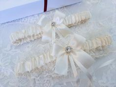 Ivory Bridal Garter, White Wedding Garter, Blue Bridal, Bridal Lace, Purple Wedding, Wedding Day, Wedding Accessories, Tape Measure, Thigh