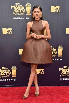 MODA: Zendaya e Michael B. Jordan usam sapatos Christian Louboutin para o MTV Movie and TV Awards Mtv Movie Awards, Tv Awards, Moda Zendaya, Zendaya Dress, Zendaya Style, Zendaya Outfits, Zendaya Coleman, Atelier Versace, Celebrity Red Carpet