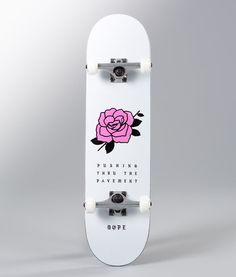 no - Hos oss har du alltid fri frakt, fri retur og 30 dagers åpent kjøp! Painted Skateboard, Skateboard Deck Art, Skateboard Design, Skateboard Girl, Custom Skateboards, Cool Skateboards, Skates, Skateboard Tattoo, Longboard Design