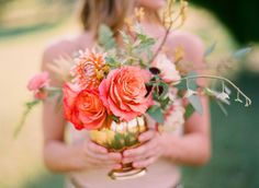 wedding floral centerpiece Bohemian Wedding  Photography: Odalys Mendez  Flowers: Cloth of Gold Flowers