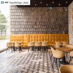 coffee shops designs - Google Search Design Shop, Coffee Shop Design, Coffee Shop Furniture, Cafe Furniture, D House, Cafe Interior Design, Layout, Coffee Shops, Restaurant Design