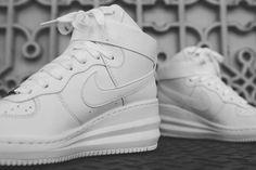 NIKE LUNAR FORCE 1 SKY HIGH (MONOTONE PACK) | Sneaker Freaker