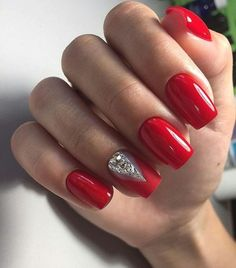 Try color and design not shape shellac nails, red gel nails, red acrylic nails Red Gel Nails, Red Nail Art, Red Acrylic Nails, Shellac Nails, Hot Nails, Oval Nails, Red Manicure, Manicures, Pink Nails