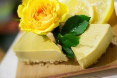 pähkinätön raakakakku, gluteeniton kakku, raakakakku Raw Cake, Hampi, Vegan Cheesecake, Healthy Baking, Stevia, Raw Food Recipes, Feta, Good Food, Fruit