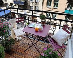 cozy balcony garden furniture