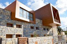 Les villas en pierres et en bois