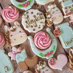 "453 Likes, 37 Comments - Sarah Robertson (@sugarcrushcookiessarah) on Instagram: ""Happy birthday, Shyloh! #shabbychic #horses #horseshoe #roses #hearts #masonjar #boot #hat #cake…"""