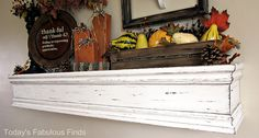 I really want to remake my living room shelf to look like this one. I think it will be my next DIY project. With the help of my little brother and his saw of course. Diy Mantel, Mantle Shelf, Mantle Ideas, White Mantel, Fireplace Ideas, Diy Projects To Build, Home Projects, Crafty Projects, Living Room Shelves