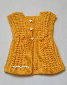 Let's Knit Vest with Nako Luxury Tiny – Fazilet Direkçi – Join in the world of pin Diy Crafts Knitting, Knitting Blogs, Easy Knitting Patterns, Knitting Designs, Free Knitting, Baby Knitting, Knitted Baby, Baby Pullover, Baby Cardigan