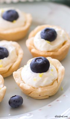 (Mini) Lemon Blueberry Cream Tarts