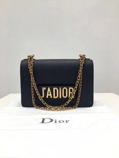 bags👛👜  dubaifashion  dior  diorama  diorbag  diorpurse  purse 8f558af69ac3c