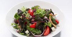Salat med fetaost og cottage cheese-pesto