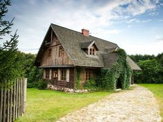 Homestead Farm, Weekend House, Cottage Style Homes, European House, Log Cabin Homes, Traditional House, Exterior Design, Portal, Beautiful Homes