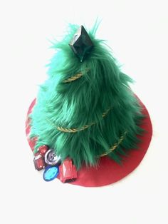 Faux Fur Tabletop Christmas Tree Tutorial #christmascraft #diytabletoptree Tabletop Christmas Tree, Cone Christmas Trees, Christmas Home, Christmas Crafts, Christmas Ornaments, Christmas Sewing Patterns, Christmas Sewing Projects, Easy Sewing Projects, Sewing Crafts