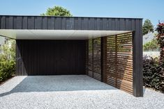 Modern carport made of wood. Functional, unique, timeless and minimalist design.â… - Modern Garage House, Carport Garage, Pergola Carport, Wood Pergola, House Front, Garage Doors, Diy Pergola, Garage Kits, Wood Patio