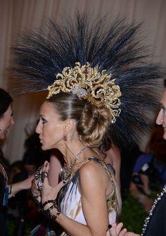 Met Gala 2013 outfits: Sarah Jessica Parker Philip Treacy Headwear