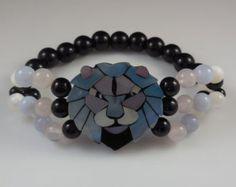 Vintage Lee Sands Lion Head Mother of Pearl Stretch Bracelet